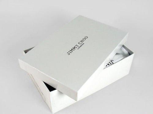 Hộp giấy đựng giày giá rẻ- Lưu ý tối thiểu cần phải biết trước khi đặt in