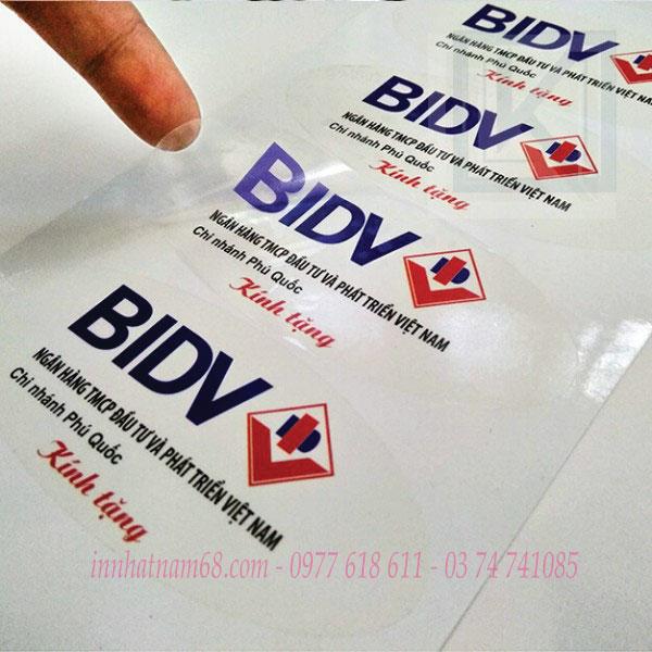 In tem decal trong cho ngân hàng BIDV
