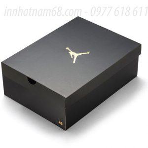 In Hộp Giấy Carton Sóng Logo ép Nhũ đẹp Sang Trọng.