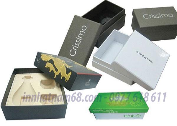In hộp giấy carton lạnh cho thời trang Crissimo