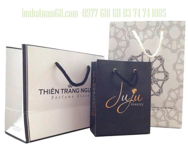 In túi giấy cho shop trang sức JUJU