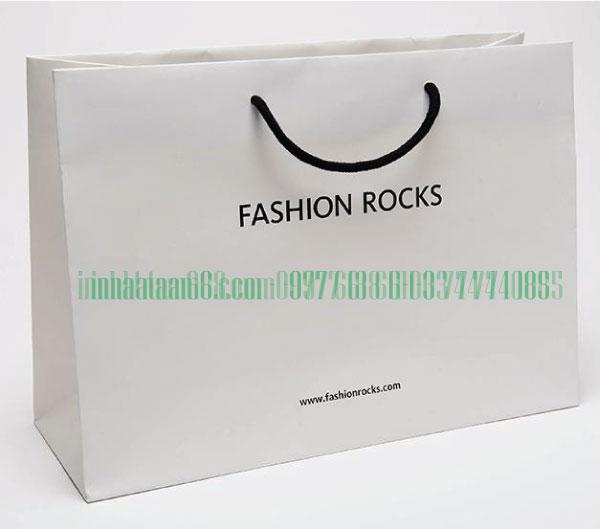 In túi giấy cho shop thời trang Fashion Rocks