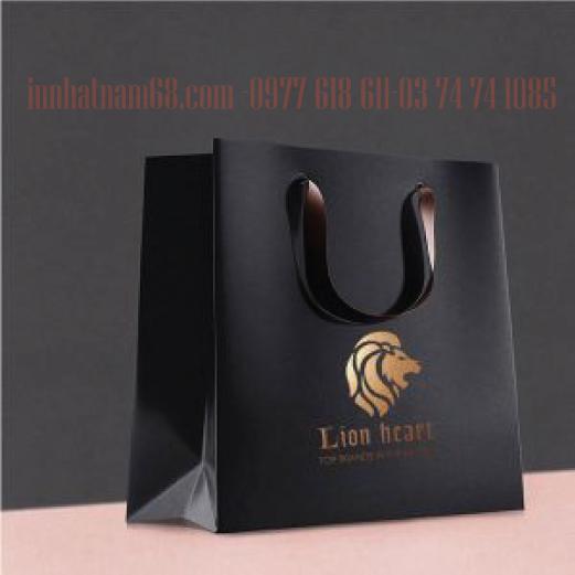 In túi giấy cho shop phụ kiện thời trang Lion Heart
